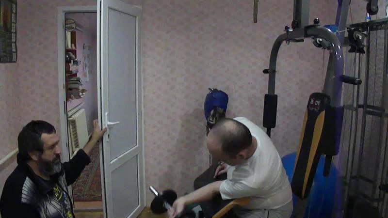 2 подход.Бицепс ЛР на парте.Дистрофия мышц рук.Борьба с неизлечимой болезньюпродолжается.Курс-6