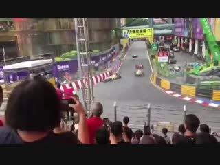 Жуткая аварии Софии Херш со зрительской трибуны Гран-при Макао 2018