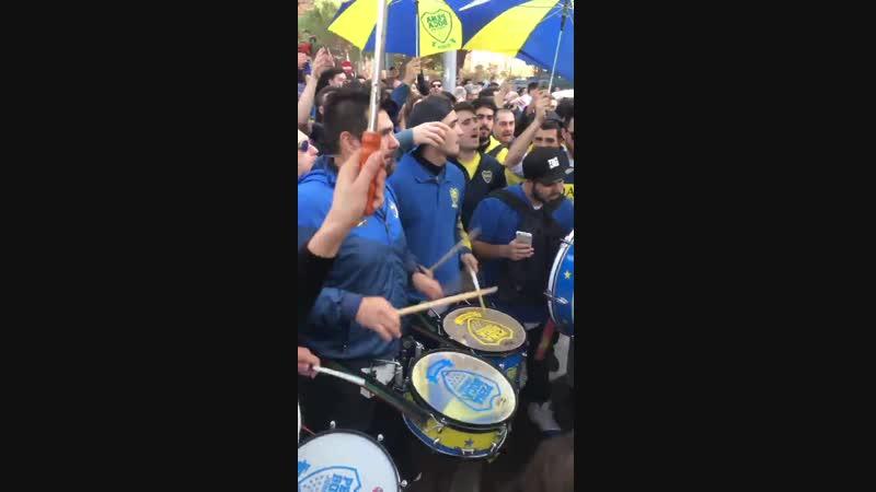 El banderazo de Boca en Madrid!