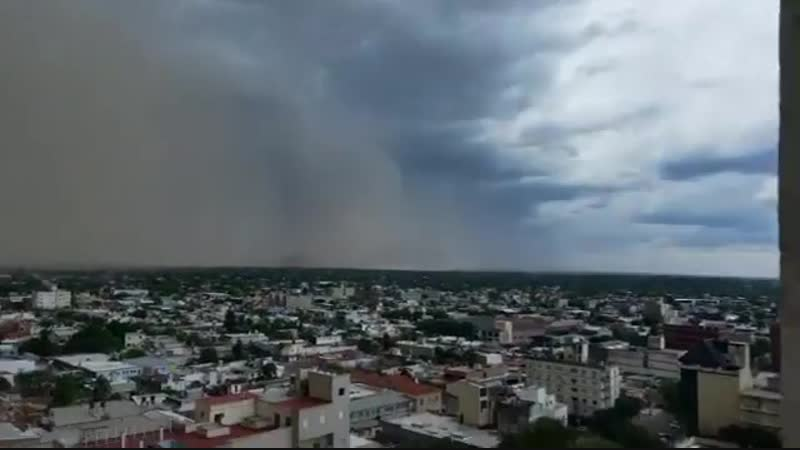 Приближение пыльной бури к Santiago Del Estero в Аргентине. (часть 2)