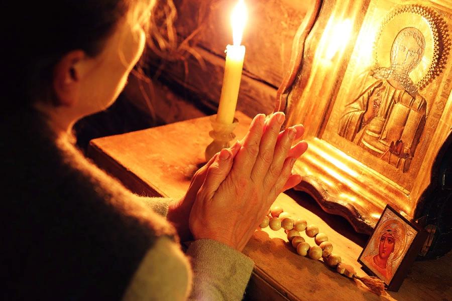 как правильно молиться в церкви чтобы снять любовный приворот