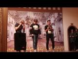 брендон ури, тайлер джозеф и мужик который бухой вышел на сцену