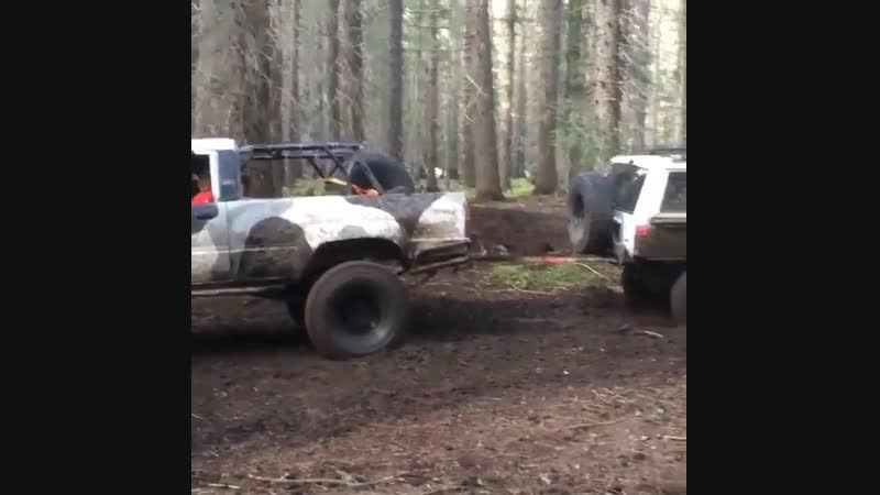 That rear must of been shittybuilt on that xj!!