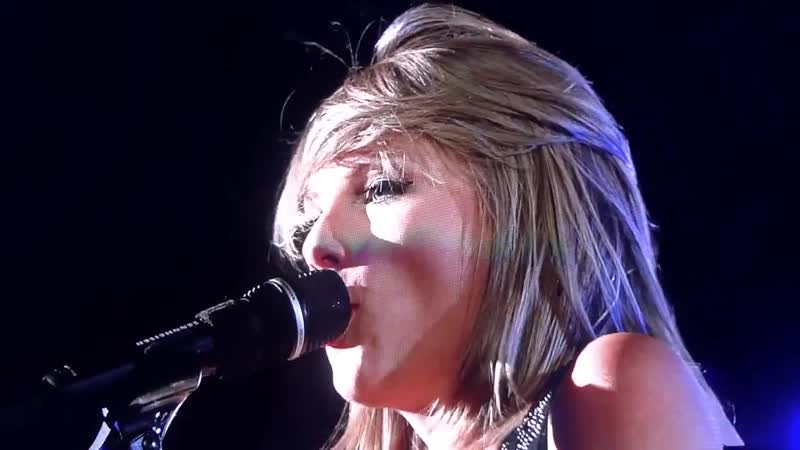 Taylor Swift - Wonderland (Acoustic) (Live at Rock In Rio USA, Las Vegas, The 1989 World Tour, 2015)