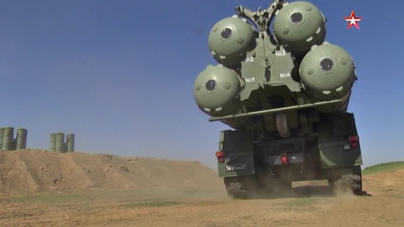 Готовность номер один: дивизион С-400 в Крыму поднят по тревоге