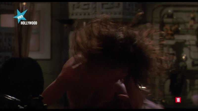 Predator 2 (1990) Depredador 2 Teri Weigel sexy escene 01