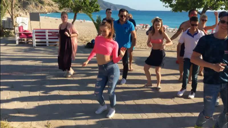 Бачата в танцевальном лагере в Фетхие/ Виктор и Валерия