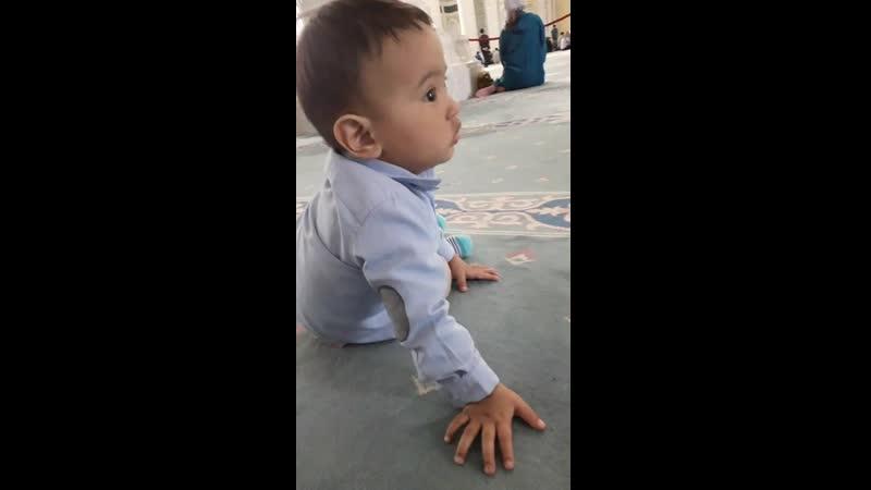 Алдияр в мечети