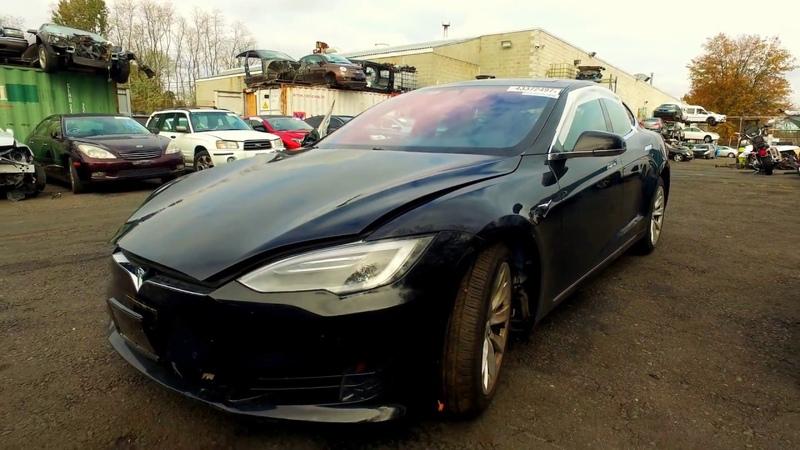 2016 Tesla Model S 60D Электромобили из США в Украину