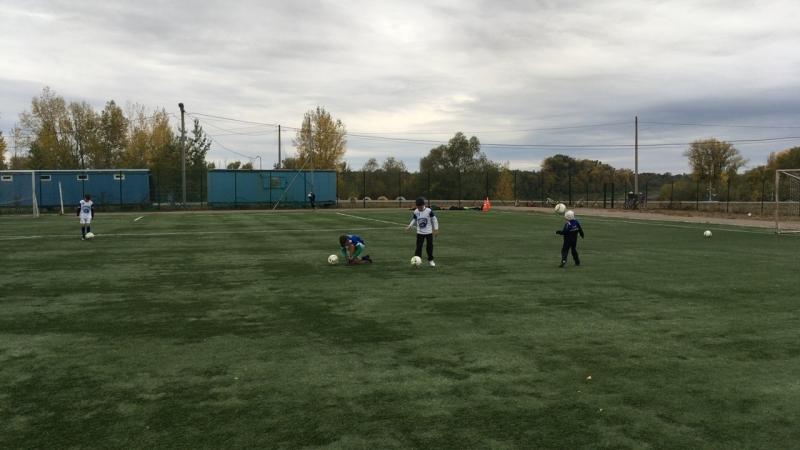 Тренировочный процесс детского футбольного клуба Водник вторая смена
