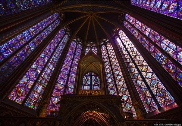 ЖИВОПИСЬ / ВИТРАЖИ САМЫЕ ВПЕЧАТЛЯЮЩИЕ РЕЛИГИОЗНЫЕ ВИТРАЖИ.Религиозные витражи начали создавать еще в X веке, в соборах Германии. Витражи в готических соборах впечатляют. Не смотря на то, что они