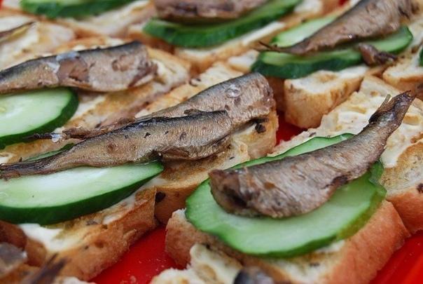 Горячие бутерброды: ТОП-10 рецептов!