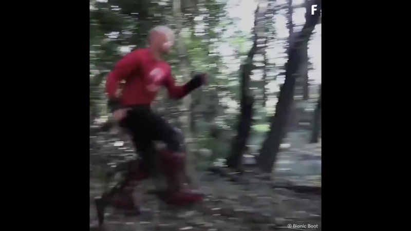 бег с бионными туфлями.