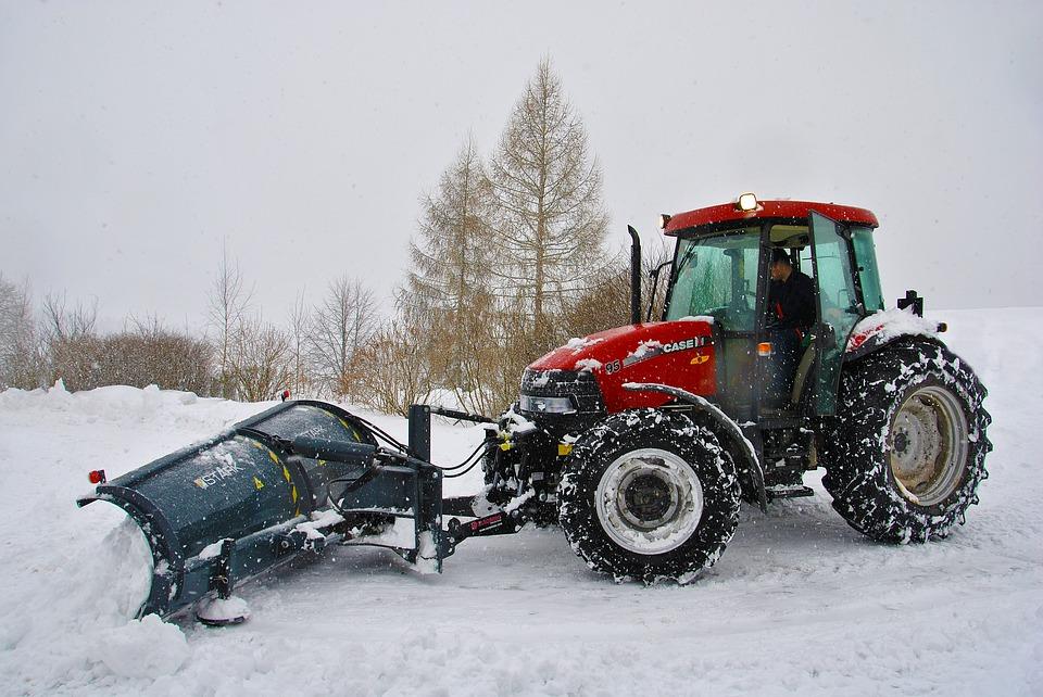 Более 360 единиц техники будут убирать улицы и дворы САО от снега предстоящей зимой
