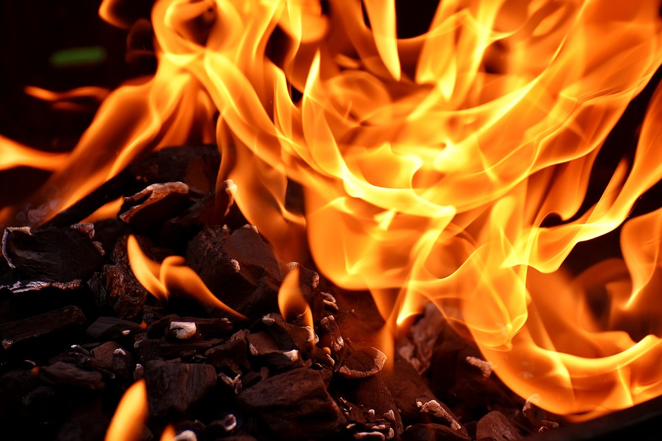 На Бутырской улице горела бытовка