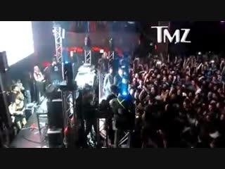 Skrillexs stage dive at belasco nightclub
