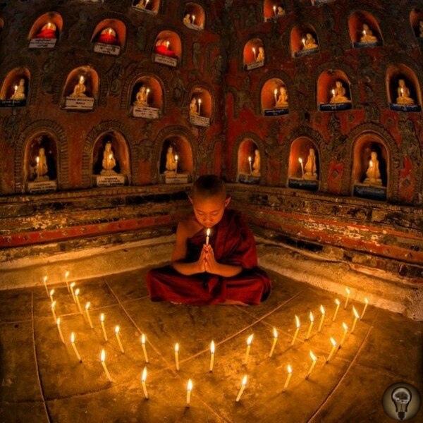 Забирайте своё себе (Буддийская притча) Однажды Будда проходил со своими учениками мимо деревни, в которой жили противники буддистов. Жители деревни выскочили из домов, окружили Будду и