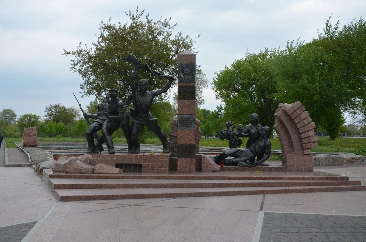 0JmYg-fGOaE Брестская крепость - крепость герой.