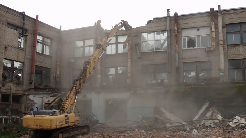 Демонтаж здания завода Кулон.