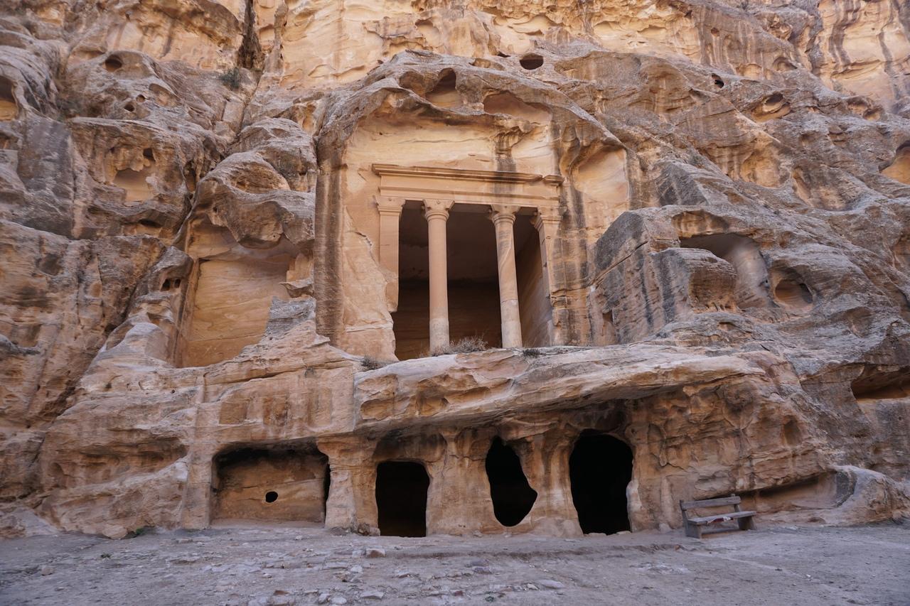 Таинственная Малая Петра в Иордании