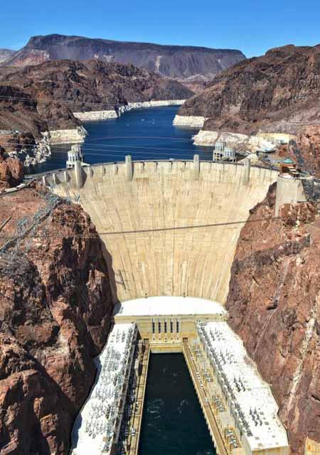 Плотина Гувера используется для выработки гидроэлектроэнергии