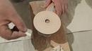 Подгонка мелких плиток мозаики, подрезка, шлифовка перед приклейкой