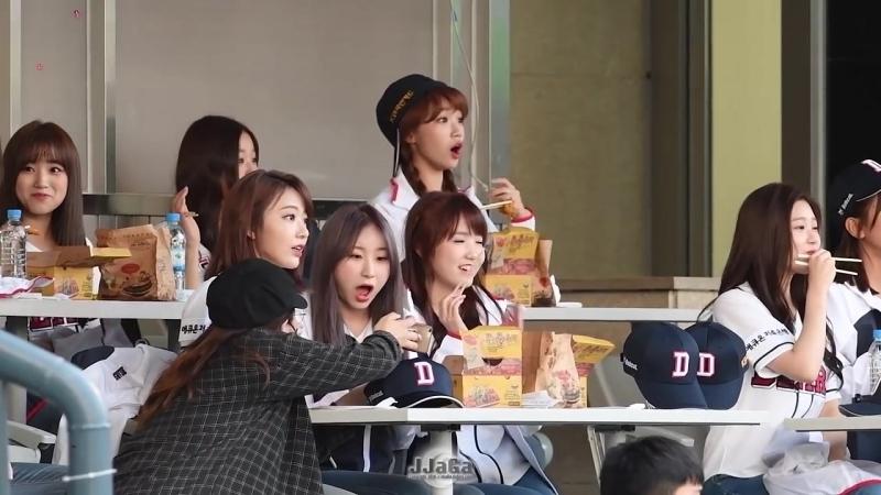 181006 IZONE @ Baseball match Doosan Bears vs LG Twins