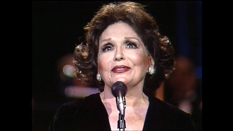 Relembre a trajetória de Bibi Ferreira (✩1922 - ✝2018), grande dama do teatro brasileiro