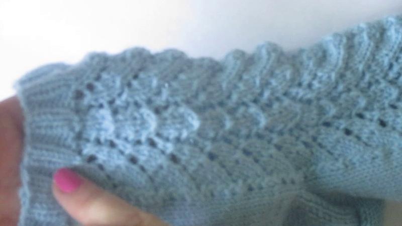 Голубые ажурные носочки.