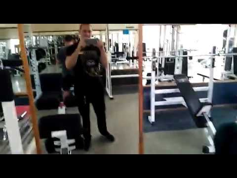 Как укрепить мышцы спины? Тяга горизонтального блока