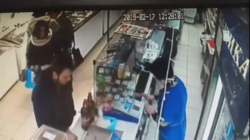 17 февраля из торговой точки Ритм похищен товар на сумму 500 рублей! Молодой человек, не расплатившись убежал, прихватив с соб