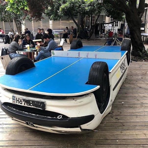 Не по назначению Полюбуйтесь, какие необычные способы использования автомобилей придумали предприимчивые бизнесмены по всему миру. Закусочная (обратите внимание на емкости для жарки картофеля