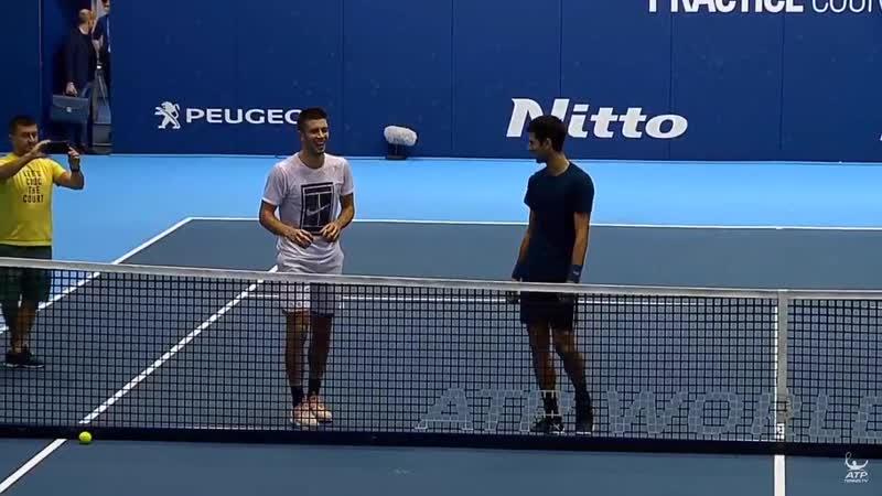 Новак Джокович и Борна Чорич сыграли в петанк в Лондоне :D