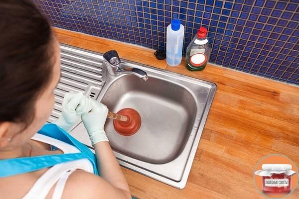 4 способа прочистки труб от засоров
