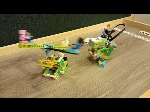 Детский центр робототехники Умник Динозавр нападает на карусель