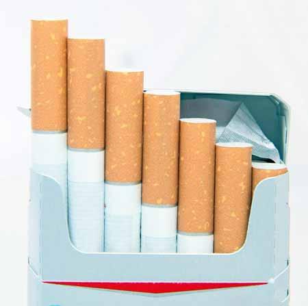 Курильщики более восприимчивы к инфекции ВПЧ.