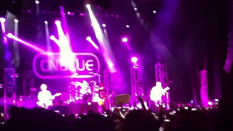 20120922 CNBlue - Love Rides The Rain [Live at London indigO2]