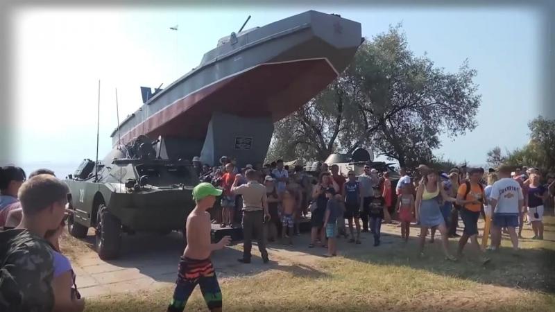 Знай наших! Форсирование Керченского пролива на БРДМ-2