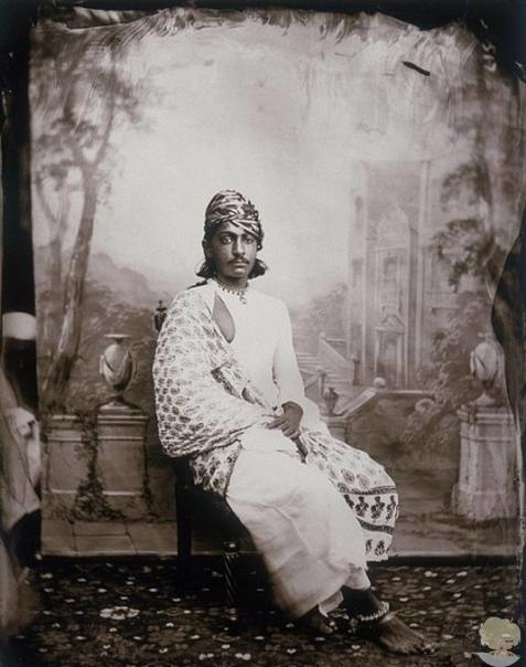 Коллекция фотографий индийского махараджи, которая оставалась нетронутой более века
