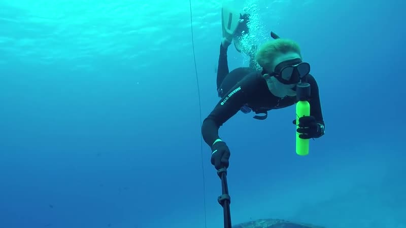Freediving (Scuba Diving) with Spare Air. C53 Shipwheck - AMAZING