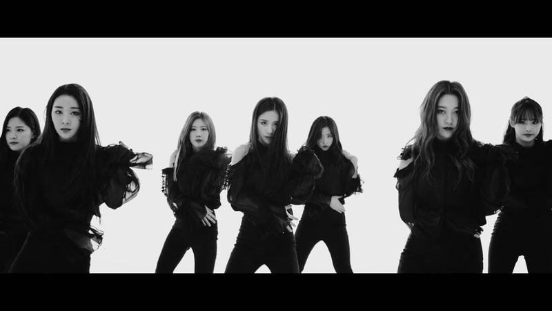 LOONA 이달의 소녀 Butterfly ГруппаЮжнаяКорея