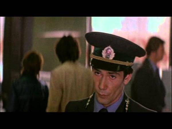 Сцена с водкой на таможне из фильма Груз без маркировки 1984 год