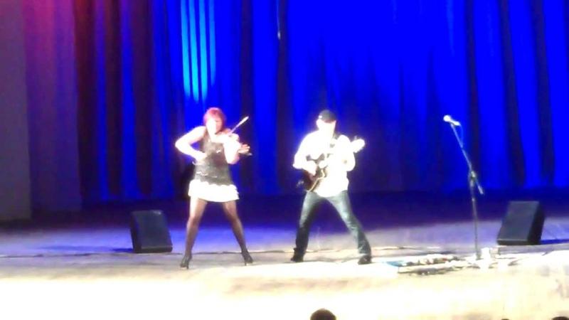 Тамара Сидорова (скрипка) и Юрий Матвеев (гитара)