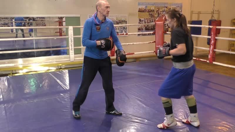 Бокс- сближение - удар по печени - правый сбоку