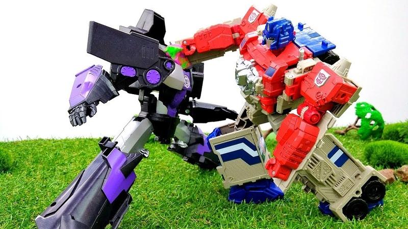 Decepticons Energona saldırıyorlar! Transformers ve LEGO oyuncakları. Erkek oyunu izle!