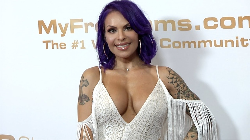 Foxxy 2019 XBIZ Awards Red Carpet Fashion