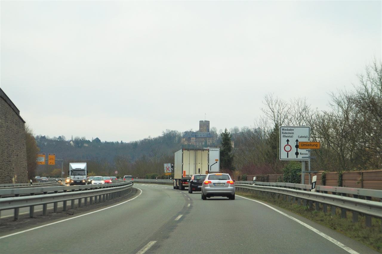 Замок Ланек на Рейне замок, Рейна, замка, Ланек, очень, берегу, время, Кобленца, часовня, Штольценфельс, веков, виден, первый, ворота, когда, правом, белый, расположен, совсем, Напротив