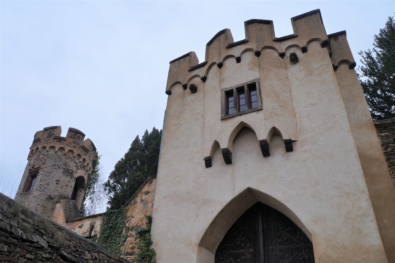 Замок Ланек на Рейне