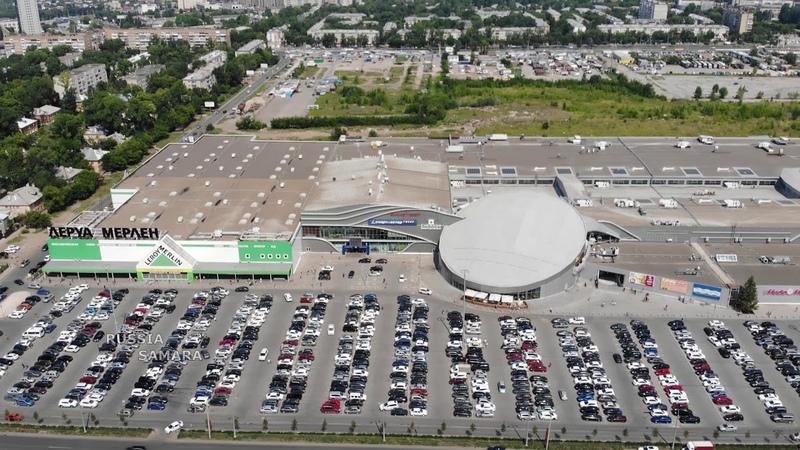ТРК Космопорт парковка у торгового-развлекательного центра Cамара Samara Russia