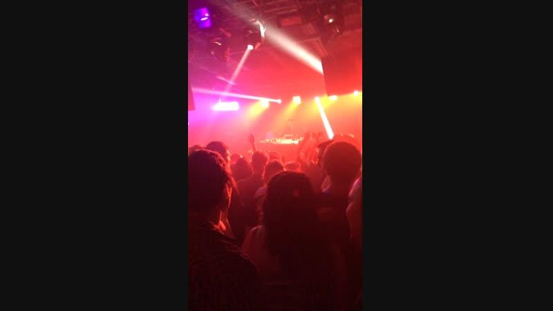 25 11 Wiwek live Faka G
